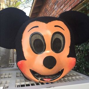 VINTAGE MICKEY AND MINNIE PARADE HEADS